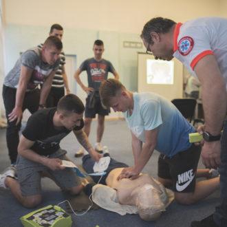 Svaka sekunda je važna u spašavanju, osnovne mjere održavanja života učili su brodski sportaši